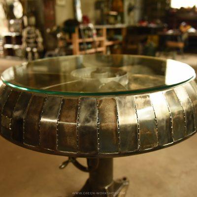 Mobilier sur mesure en métal : Aero